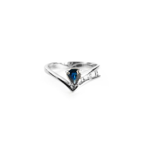 18 kt 750 white gold woman ring with 0.40 ct sapphire and 0.03 ct diamonds