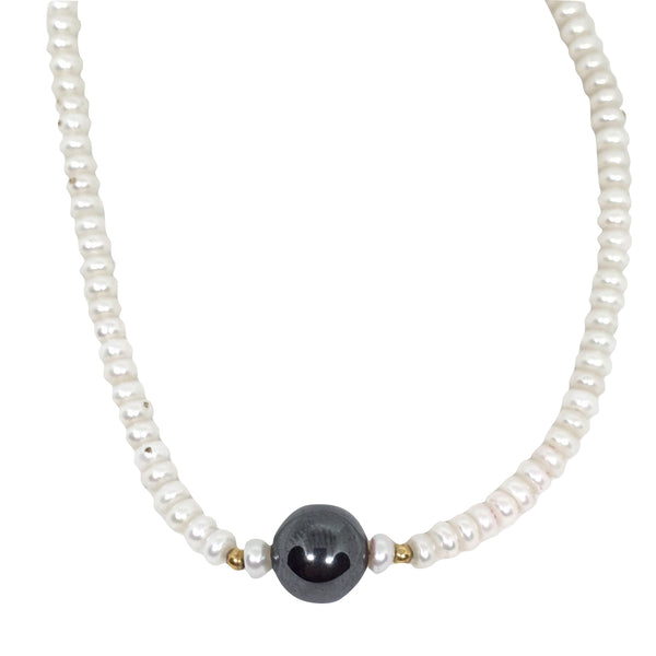 Choker necklace with freshwater cultured pearls 4 mm, central yellow gold hematite 18kt 750