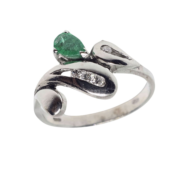 18kt 750/000 white gold woman ring with emerald and diamonds