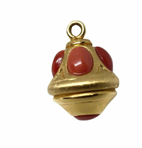 Pendant for bracelets or chains in 18kt Yellow Gold 750 with coral