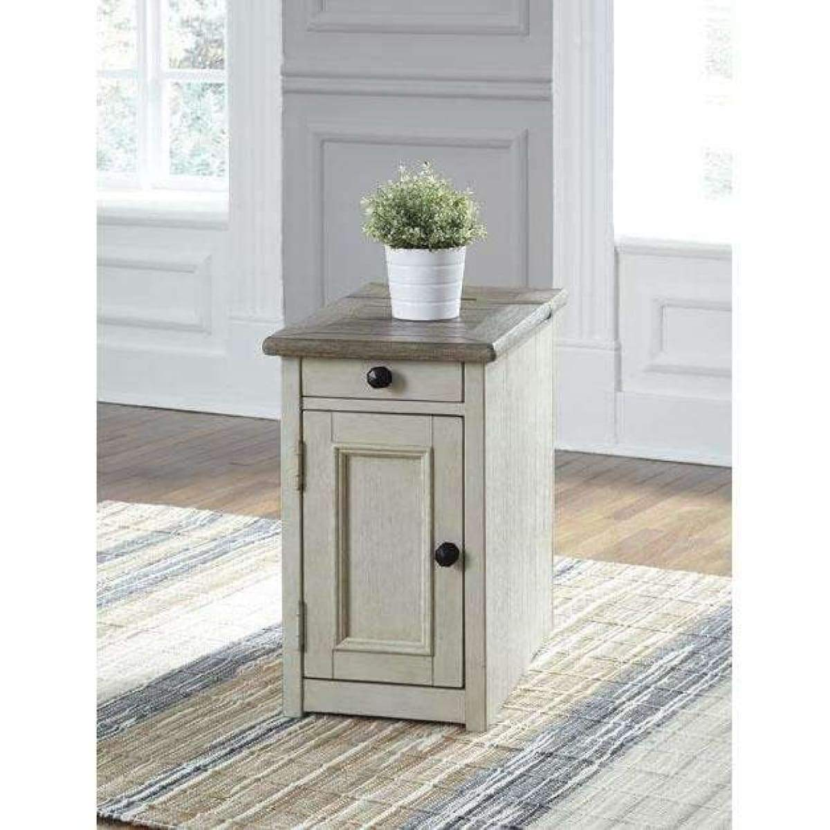 Bolanburg Two-Tone Chairside End Table - END TABLE/SIDE TABLE
