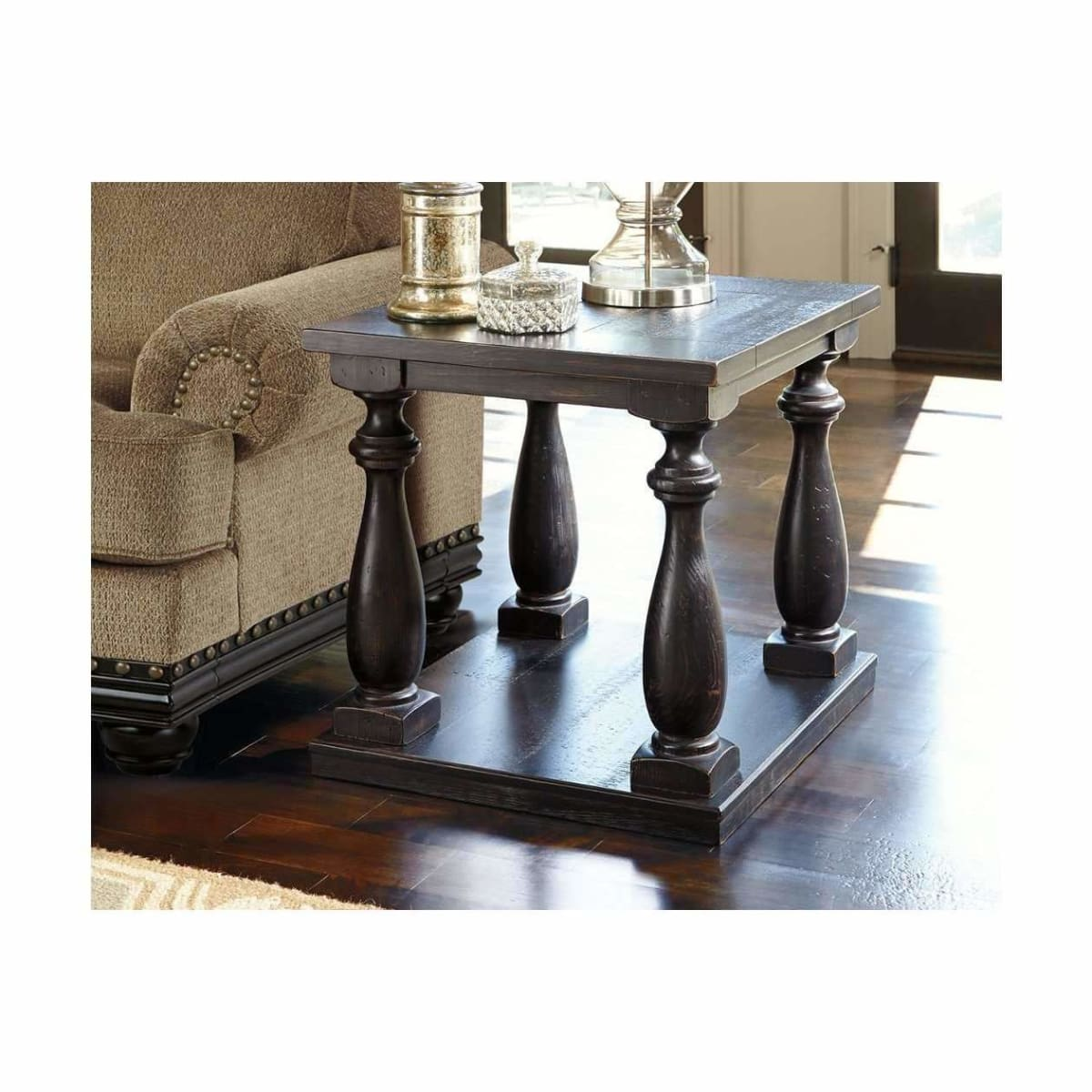 Mallacar End Table - END TABLE/SIDE TABLE