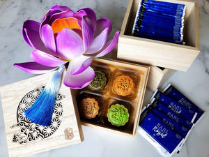 LOTUS FLOWER Mooncakes x Tea 月餅配茶 3-tiered petite set 荷花系列三層禮盒