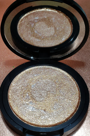 Limited Edition CHAI-LATTE Baked Highlighter