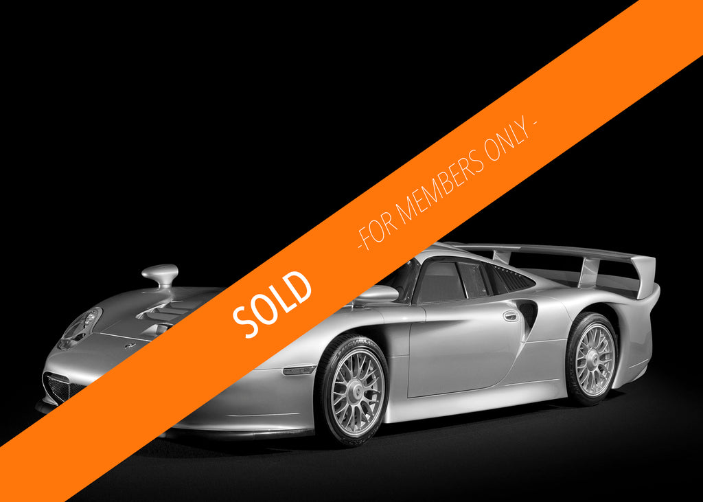 Sold - 1998 Porsche 911 GT1 Straßenversion