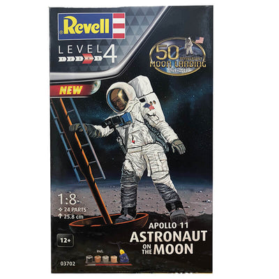 Revell 1/8 Apollo 11 Astronaut on the Moon Kit