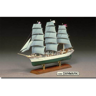 Aoshima 1/350 3-Mast Full-Rigged Ship Danmark Kit