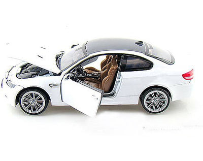 Motormax 1/24 BMW M3 Coupe (White)