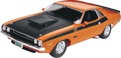 Revell 1/24 '70 Dodge Challenger 2 'n 1 Kit 95-85-2596