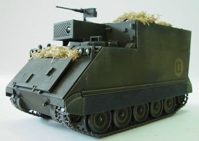 Tamiya 1/35 Commad Post Car M577 Kit