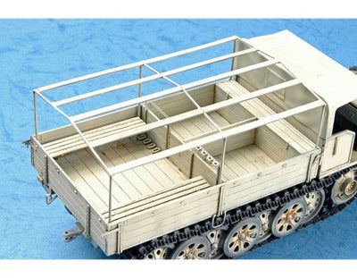 Trumpeter 1/35 German Sd.Kfz.7 Mittlere Zugkraftwagen 8t Late Ver. Kit TR-01507