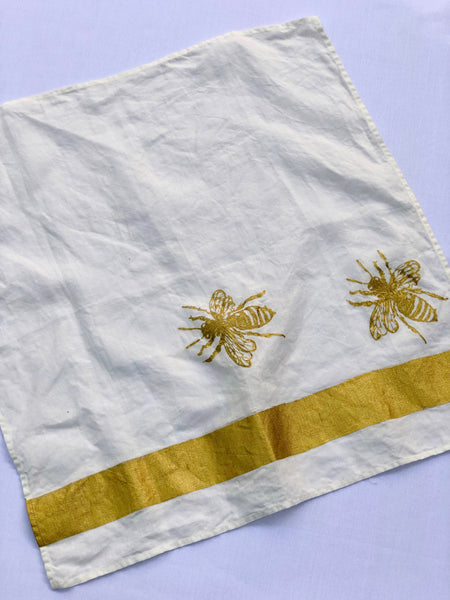 BLOCK PRINT METALLIC BEE NAPKIN