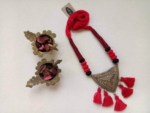 Miharu Red-Black Brass Pendant Thread Necklace