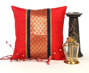 ANS red cushion cover with shimmer jacquard and quilts