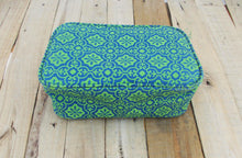Turquoise toiletry bag - retro print