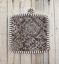 Brown pot holder, kalamkari print, kitchen accessory, 100% cotton, size 8'X8'