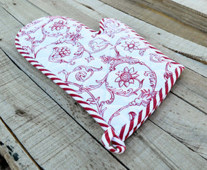 Glove, quilted oven mitt, red swirl print on white, victorian pattern, 100% cotton, size 8'X13'