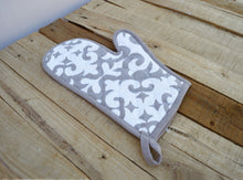 Christmas glove, quilted oven mitt, moroccan print, gray color, kitchen accessory, 8x13 inch