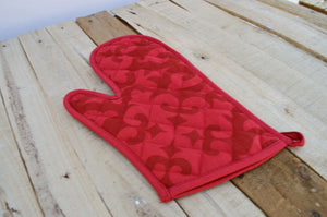 Christmas glove, quilted oven mitt, moroccan print, red color, kitchen accessory, 8x13 inch