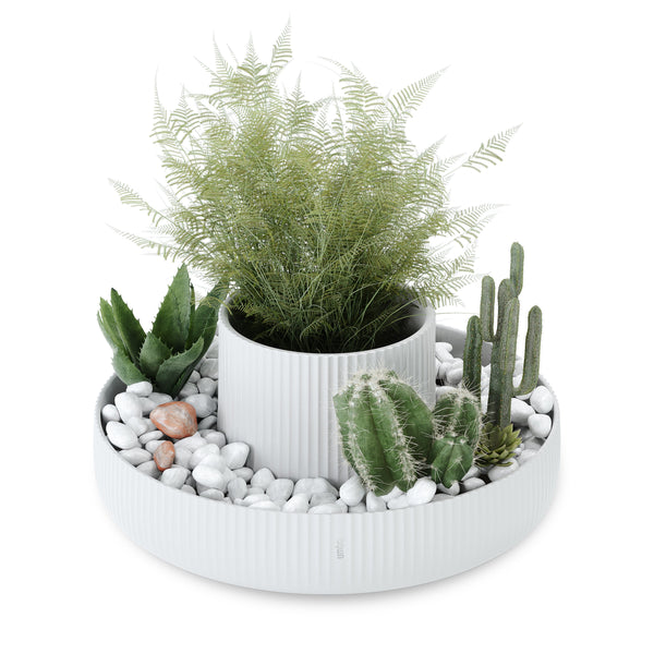 Fountain Planter White *PICK UP ONLY*