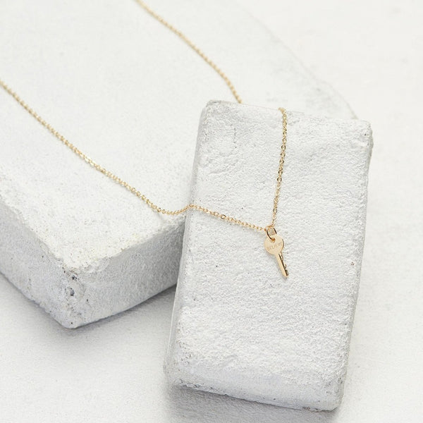 Believe Mini Key Necklace Gold