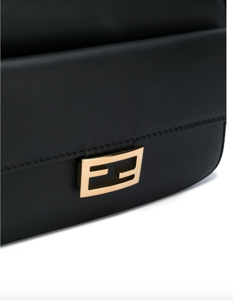 Fendi Leather shoulder bag