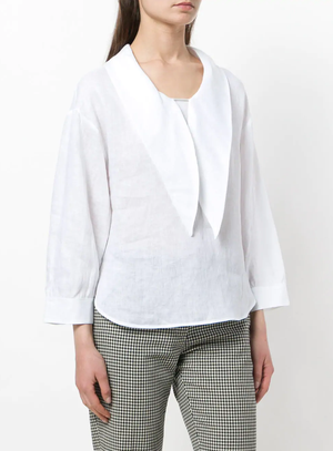 Pointed-collar bouse