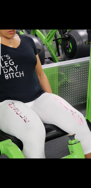 """I Squat"" Women's Capri pants"