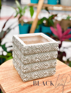 NATURAL SQUARE CERAMIC LEAF DESIGN
