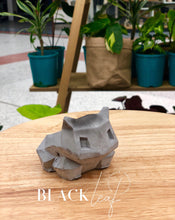 small faceted Bulbasaur pots (Plaster)