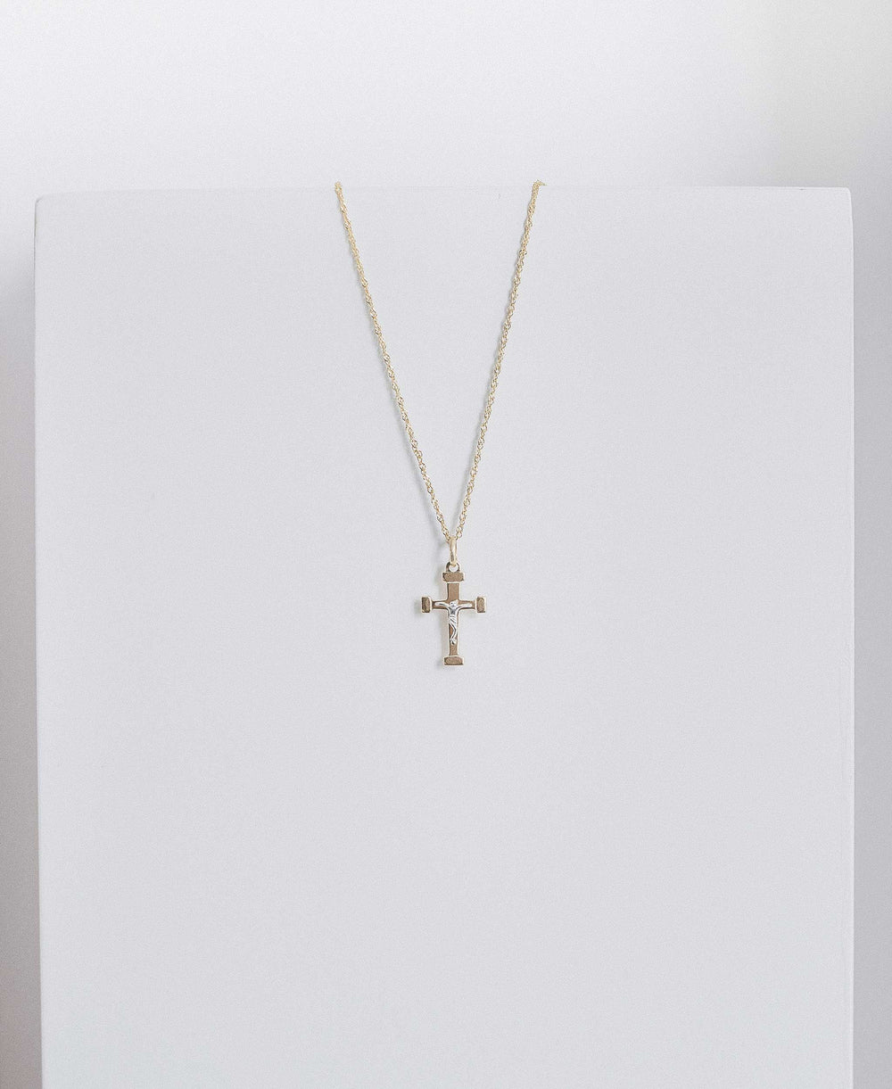 Thin Minimal Cross
