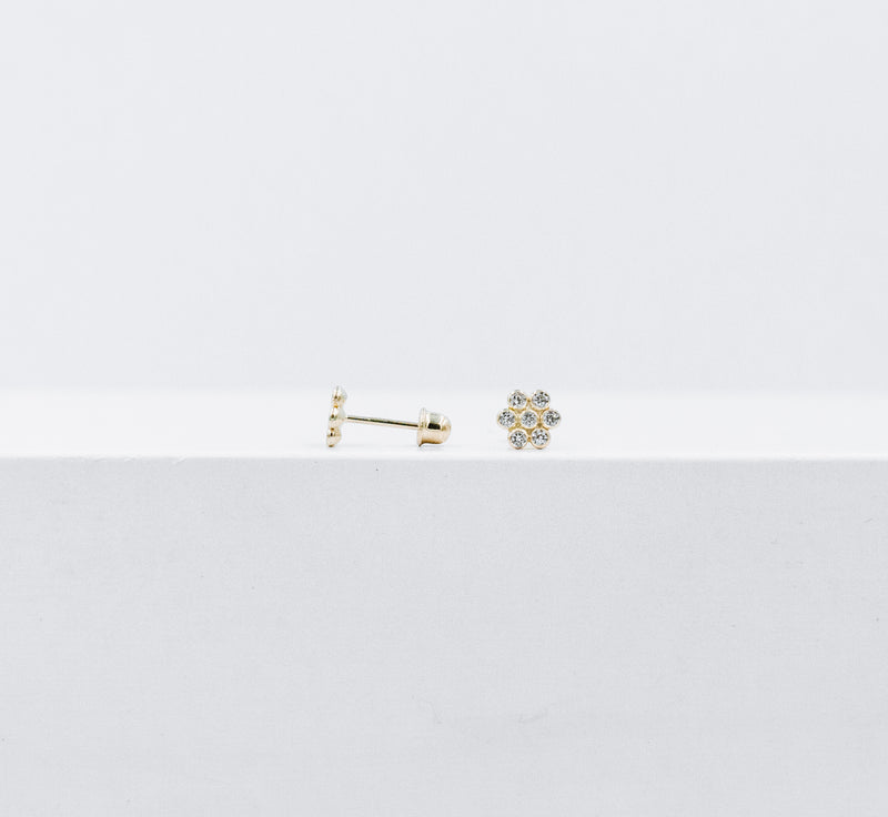 Flower crystals studs