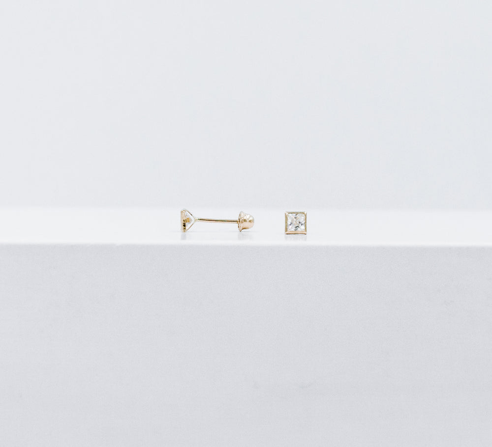 Square crystal studs medium