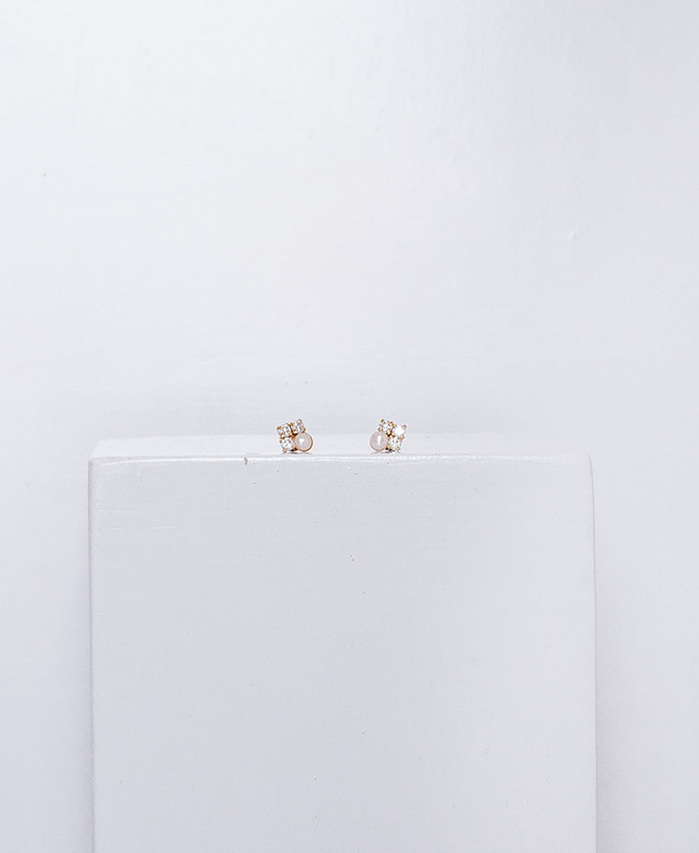 Sweet pearl and zircon studs