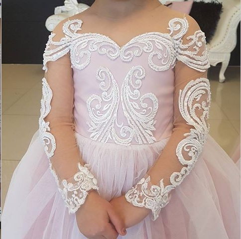 Loverly Round Neck Light Tulle Flower Girl Dress with Appliques, FGY0147