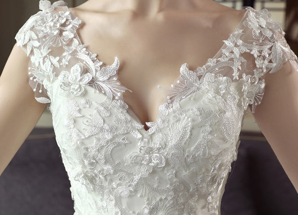 Stunning A-line Tulle Lace Appliques Long Wedding Dresses,Dresses For Wedding Party,WDY0167