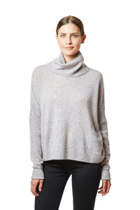 boxy t-neck with pocket