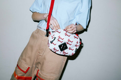 CHEWY LOGO SHOULDER BAG - X-Girl