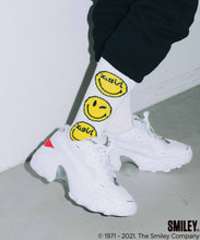 Load image into Gallery viewer, X-girl × CHINATOWN MARKET SMILEY JACQUARD RIB SOCKS