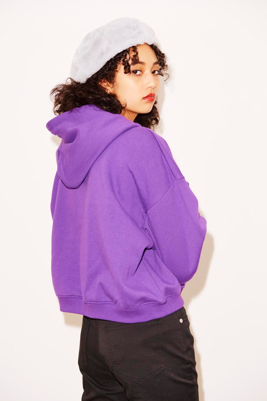 SOLID CROPPED SWEAT HOODIE