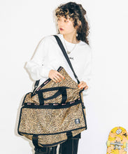 Load image into Gallery viewer, X-girl × LeSportsac LARGE WEEKENDER W/STRAPS