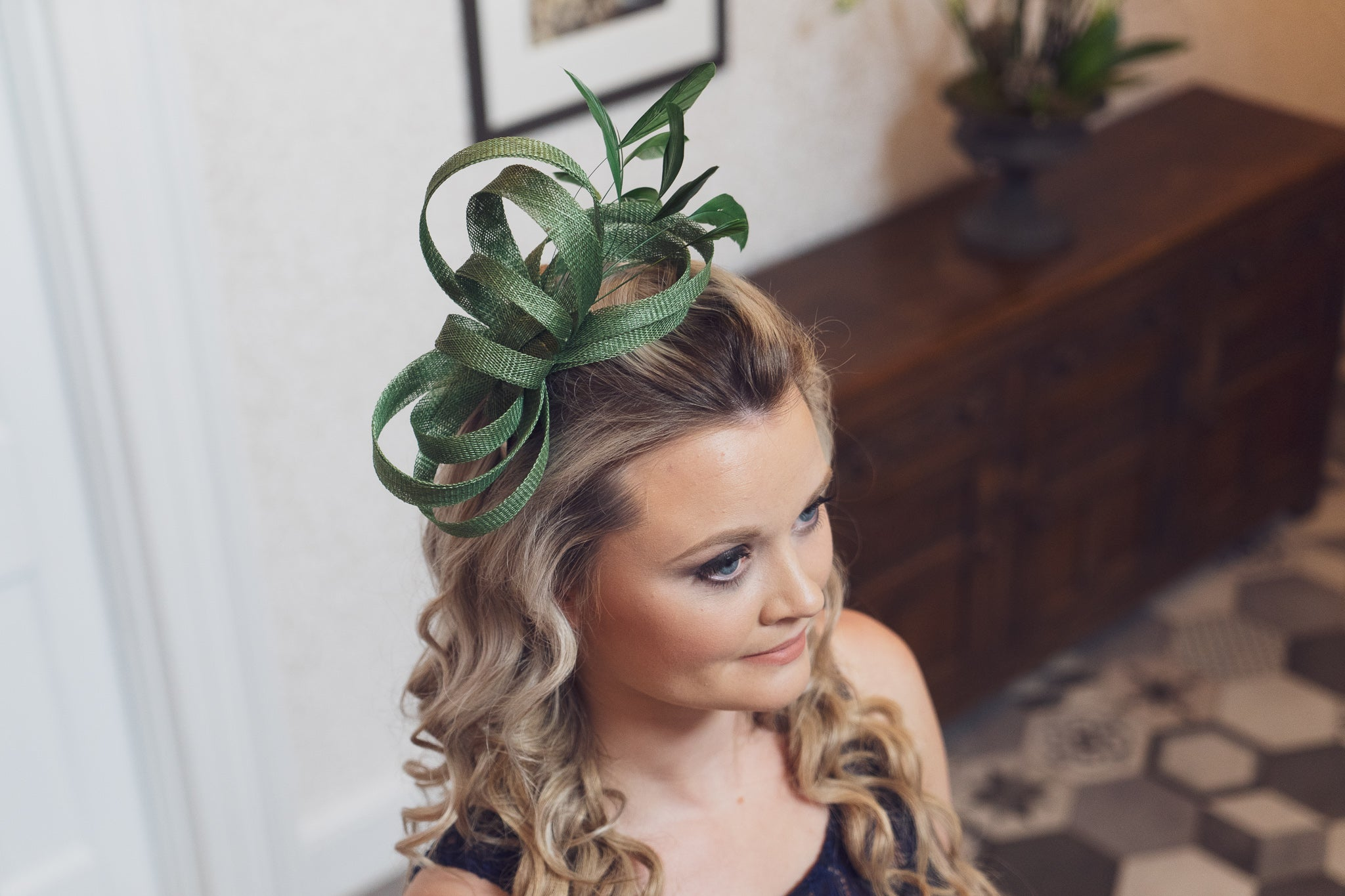 dark green fascinator