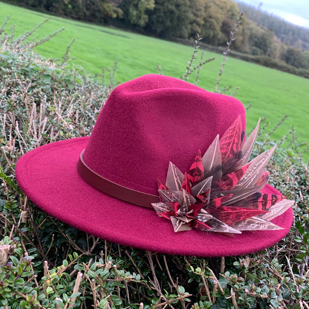 'Bonnie' fedora in burgundy red