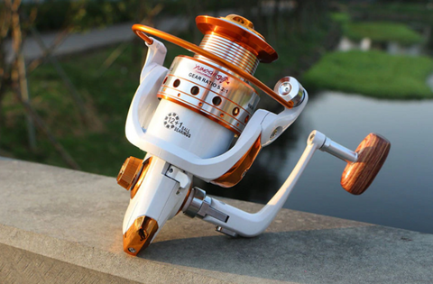 white color yumoshi fishing reels