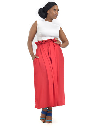 Front view of female model wearing classy culottes by Judith Atelier.