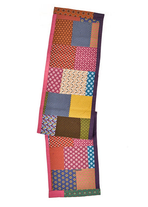 Patchwork table runners by Totoma.