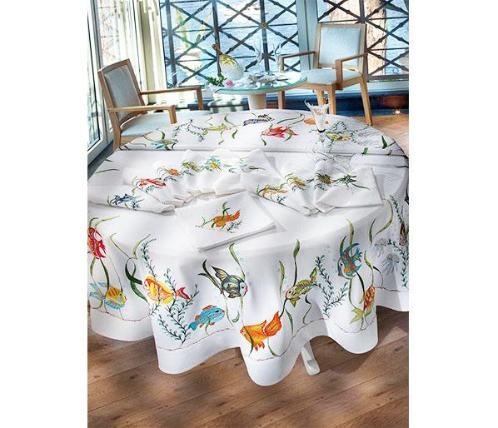 "Shoaling - 90"" Round Table Cloth with Napkings"
