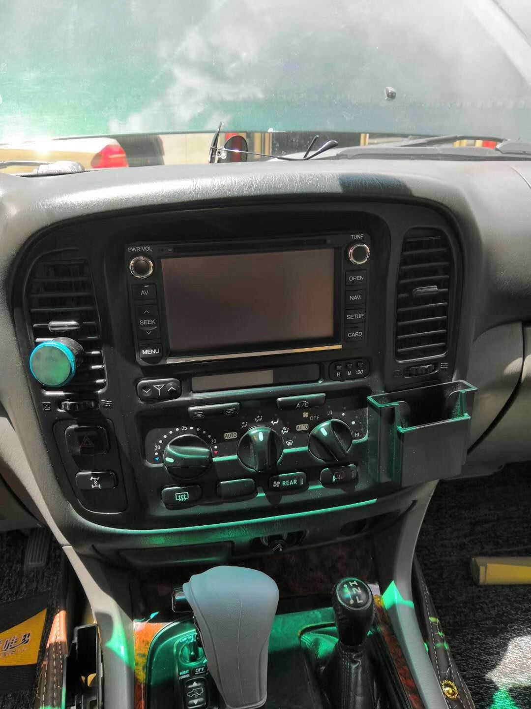 "[Open Box] Toyota Land Cruiser LC100 1998 - 2002 12.1"" Vertical Screen Android Radio Tesla Style"