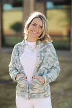 Load image into Gallery viewer, ZS Camo Quilted Jacket