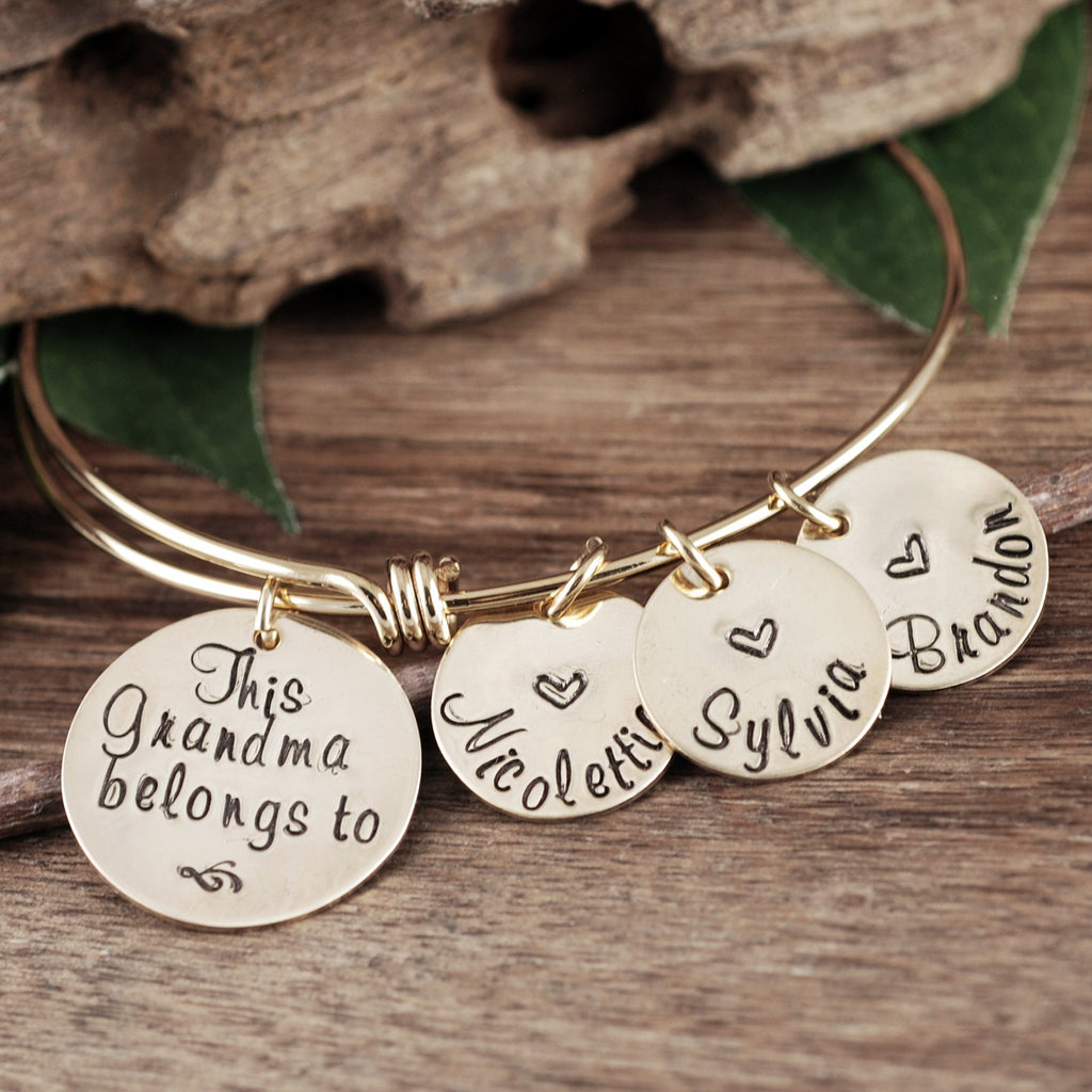 'This Grandma Belongs To' Bracelet w/ Name Tags